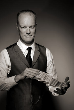 Magician in London - Darren Delaney