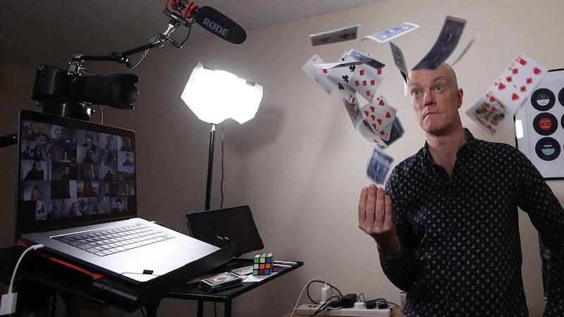 Virtual Magician Darren Delaney in Studio